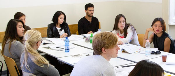 Italian Standard Course in Milan, group of students during Italian lessons